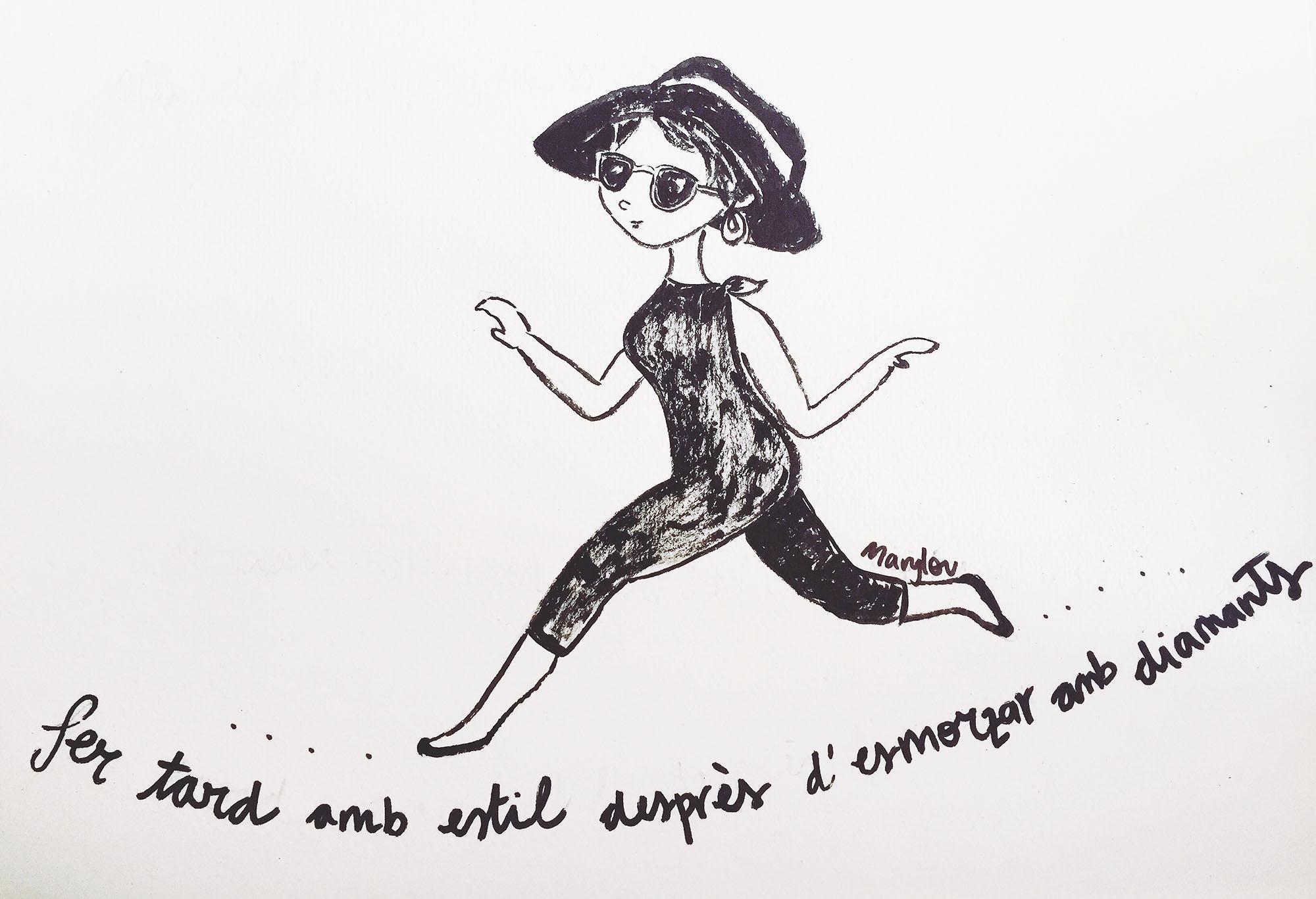 Una noia caminant ben elegant com a 'Esmorzar amb diamants'